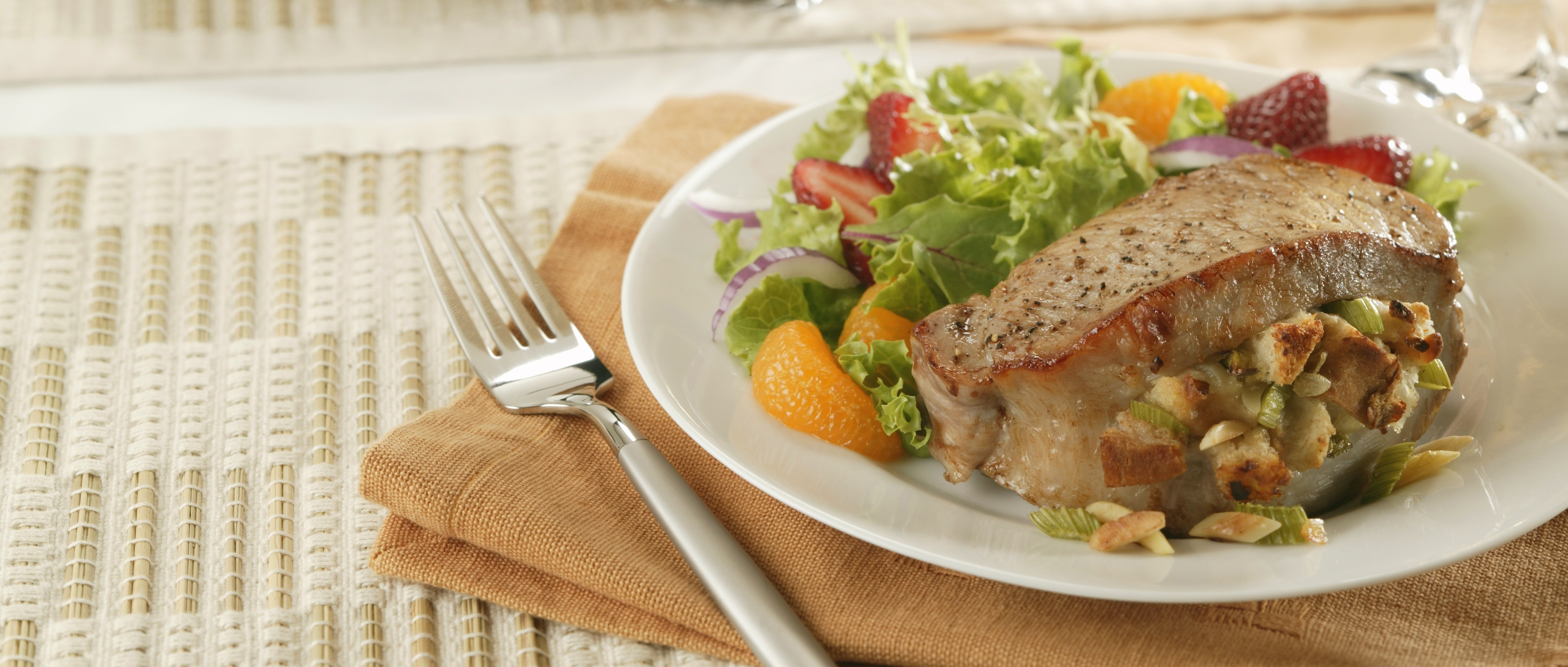 almond_stuffed_pork_chops_hr