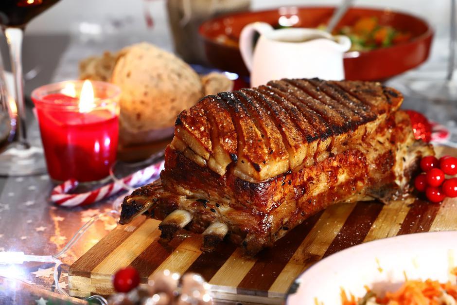 Sporo pečena svinjetina Ravlić 1