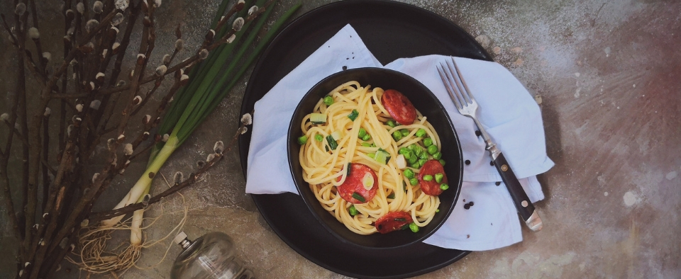 Proljetne špagete s kobasama