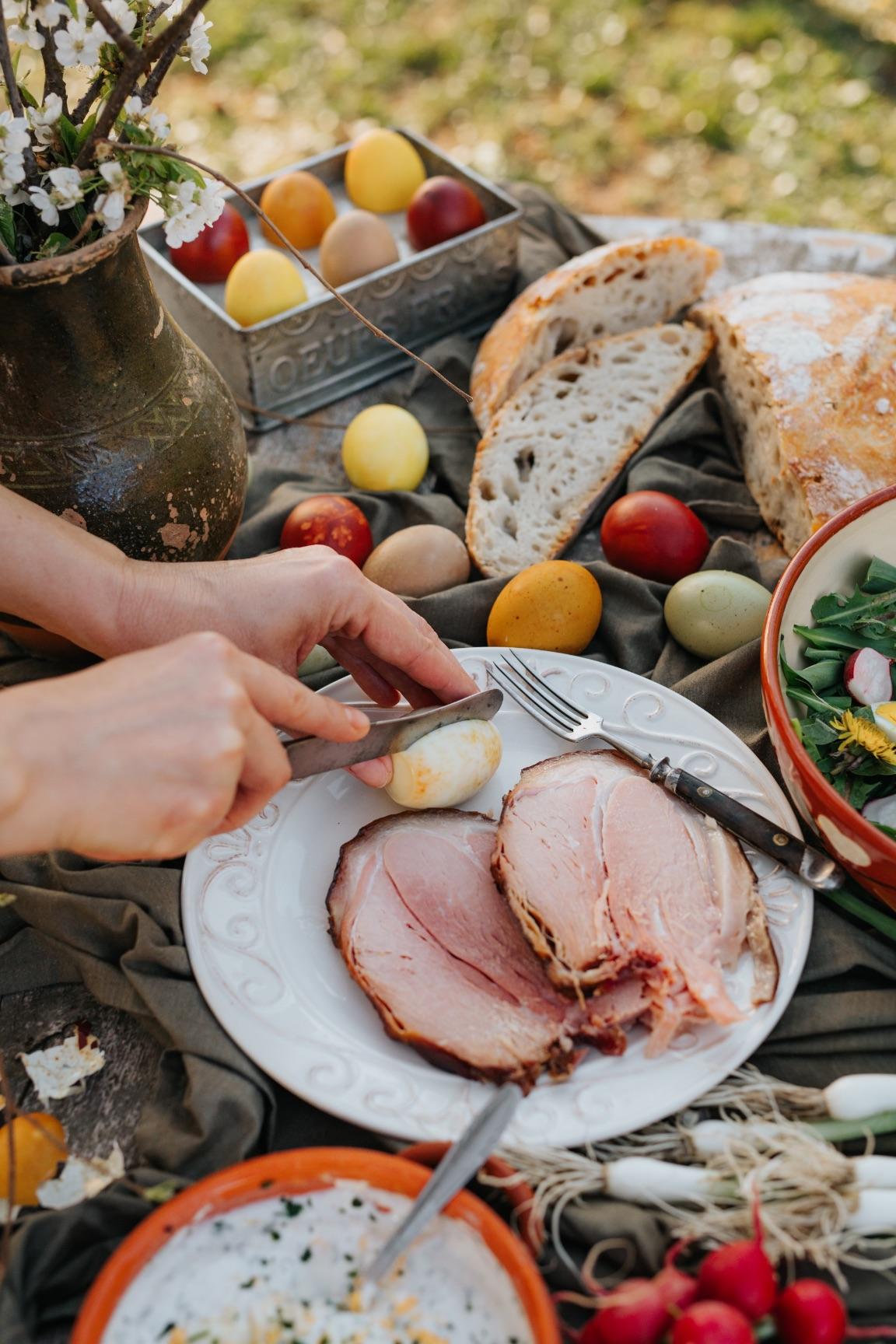 Ravlić šunka Uskrs jaja